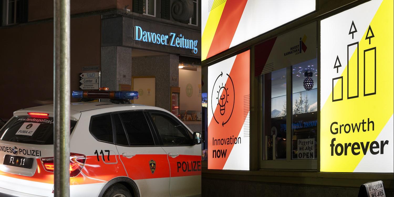 Jules Spinatsch, Davos Is a Verb, 2020; Promenade 60DZ+57KV, 100 × 150 cm